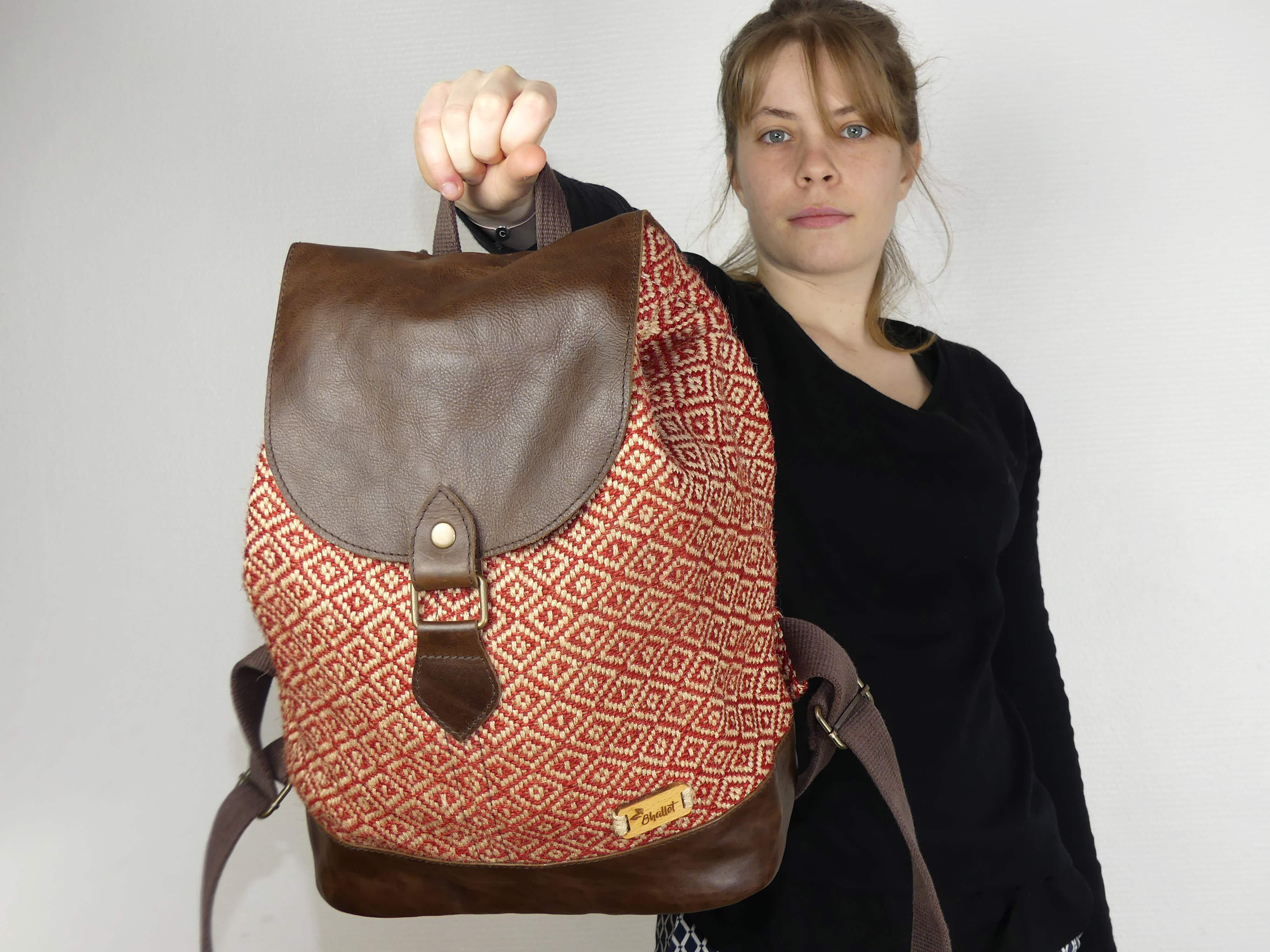 sac dos femme en toile de jute et cuir fait main potla bhallot. Black Bedroom Furniture Sets. Home Design Ideas
