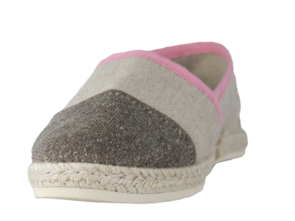 Espadrille rose de face