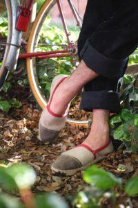 Espadrille rouge bordeaux ; Guillaume Prevost fondateur designer de bhallot 2