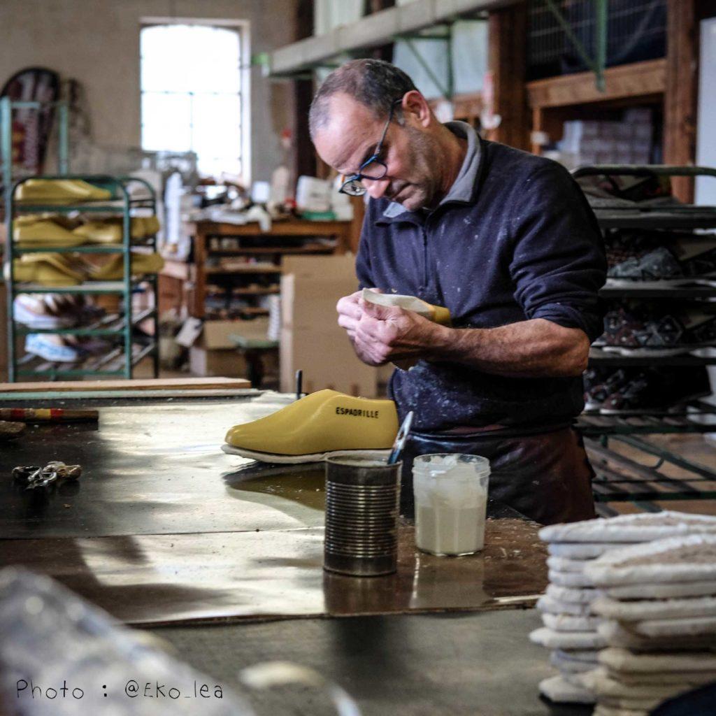 Atelier de fabrication français des espadrilles