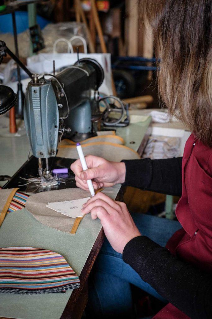 Etape 2 : pré-couture du tissu en lin pour espadrille