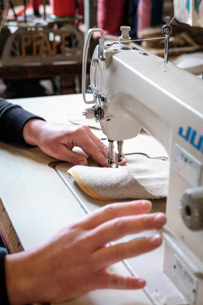 Etape 2 : couture du tissu en lin pour espadrille