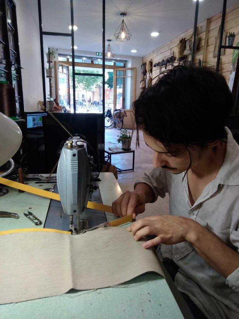 Couture du liseré pour espadrille